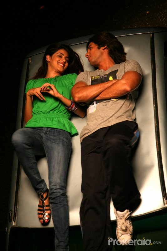 http://www.prokerala.com/gallery/pics/800/chance-pe-dance-2955.jpg