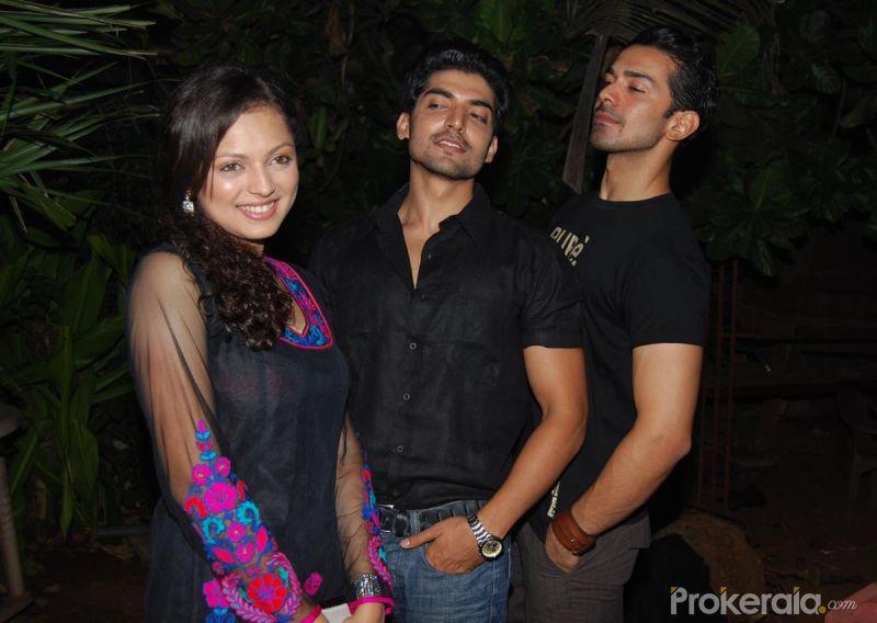 Drashti Dhami  Gurmeet Choudhary and Abhinav Shukla at Launch of Star    Gurmeet Choudhary And Drashti Dhami Latest News 2013