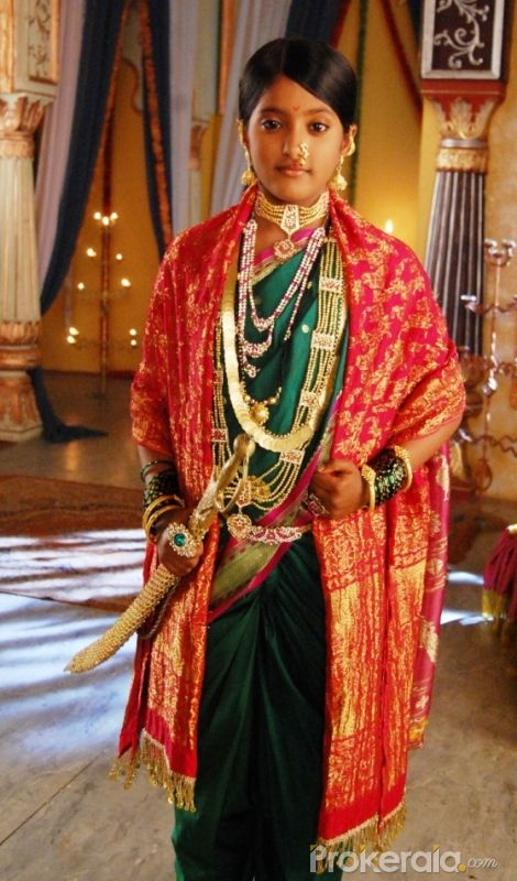 http://www.prokerala.com/gallery/pics/800/ulka-gupta-2668.jpg
