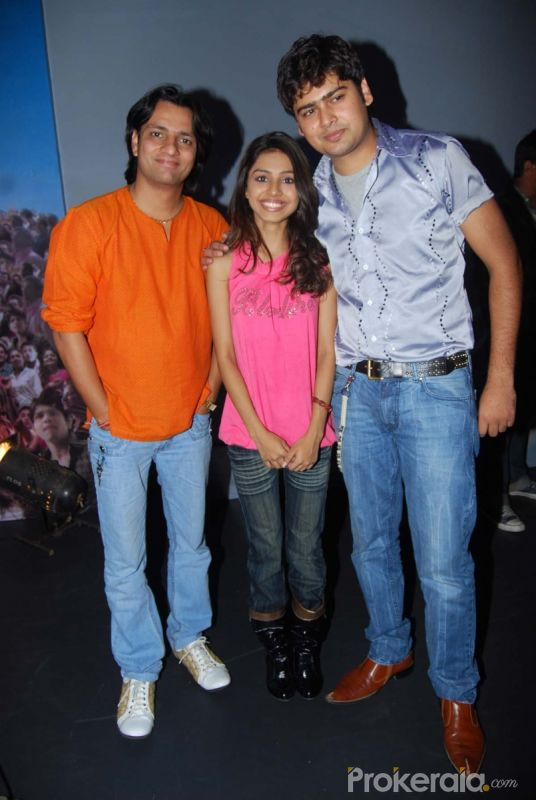 Vishwas Rai, Tia Kar and Asit Kumar at the Press meet of Indian Idol finalists held at Hotel-ITC Maratha, Andheri on 6.May 2010