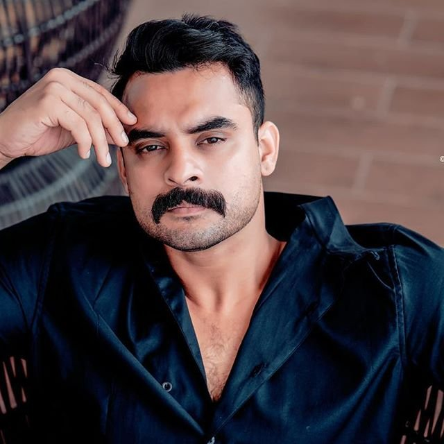 Tovino S Cute Selfie Click Builds Curiosity For The Character Samuel In Forensic
