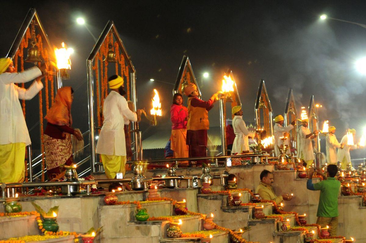 Dev Deepawali 2019 Lucknow To Celebrate Diwali By