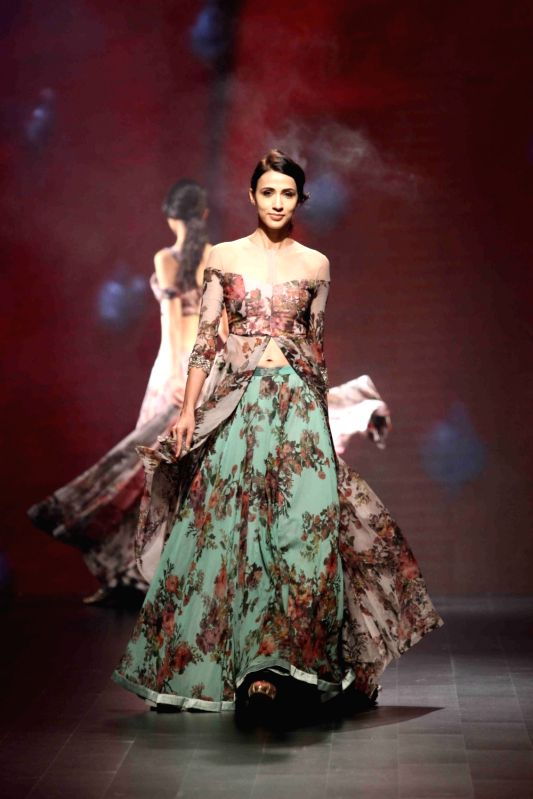 How To Participate In Lakme Fashion Week As A Model