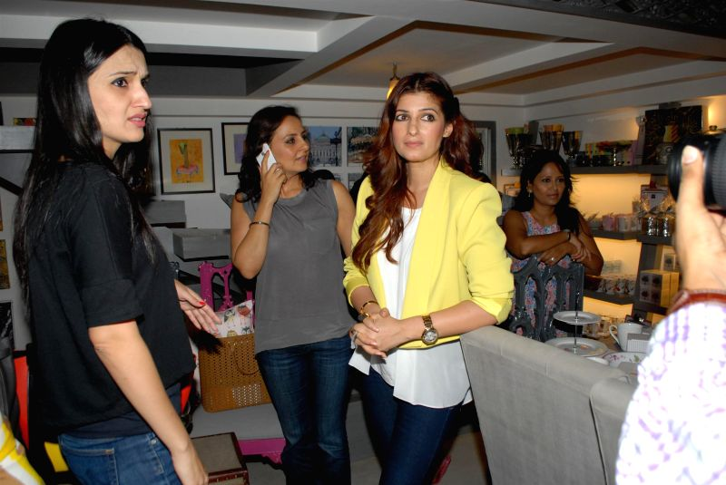 Twinkle khanna at the preview of flower power collection for Interior designs by twinkle khanna
