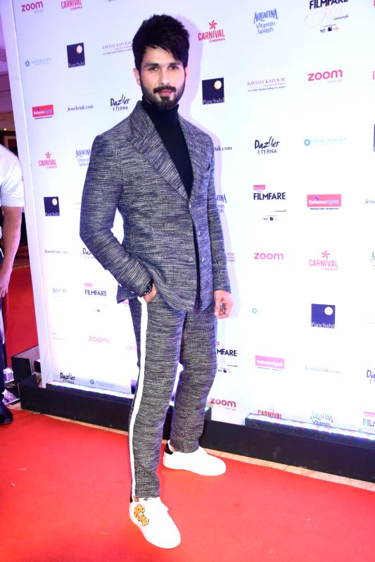 "Actor Shahid Kapoor at the red carpet of ""Filmfare Glamour & Style Awards 2017"" in Mumbai on Dec 1, 2017."