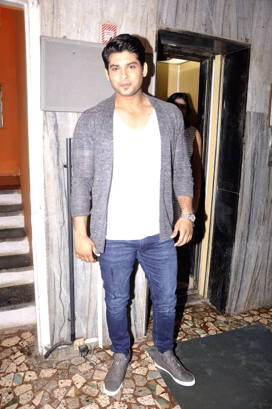Actor Sidharth Shukla during the unveiling of latest cover of Star Week magazine in Mumbai on July 31, 2014.(Image Source: IANS)