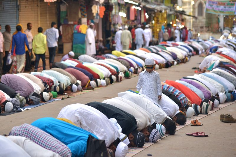 Happy Eid-al-Adha: Amitabh Bachchan, Anil Kapoor & others wish for