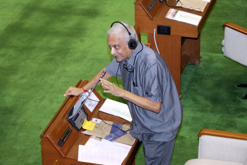Goa Chief Minister Manohar Parrikar addresses during the first day of Monsoon Session of Goa Legislative Assembly at Porvorim, Goa on July 19, 2018.(Photo:IANS)
