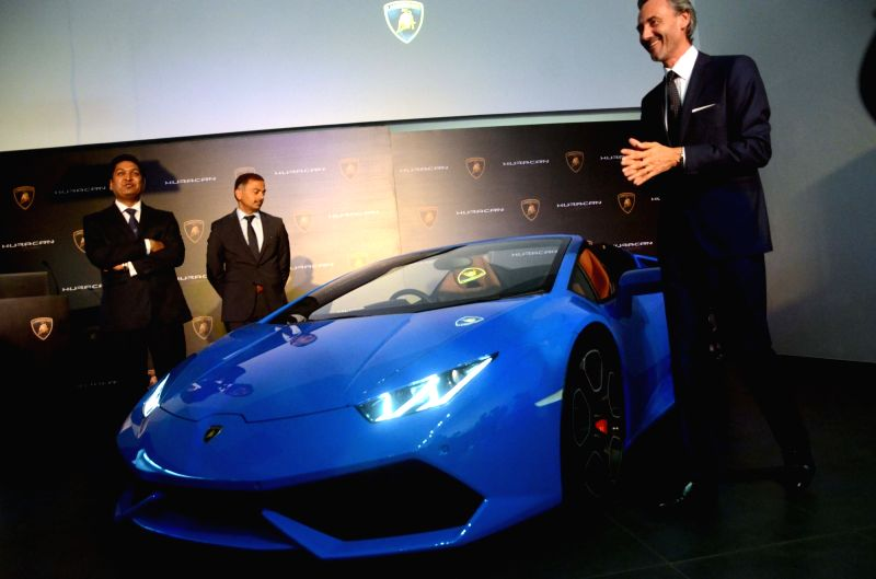 lamborghini huracan lp 610 4 spyder launch. Black Bedroom Furniture Sets. Home Design Ideas