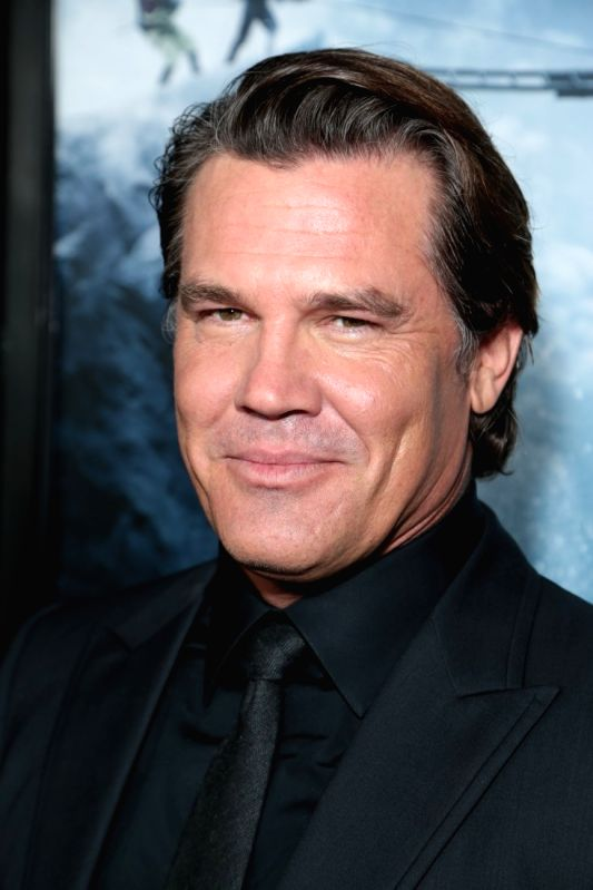 Los Angeles: Actor Josh Brolin at the premiere of `Everest` in Los Angeles, USA, on Sep 10, 2015.(Photo:IANS)