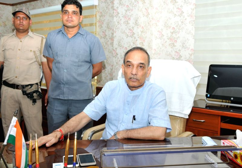 : New Delhi: Satya Pal Singh takes charge as the Minister of State for Human Resource Development (HRD) in New Delhi on Sept 4, 2017. (Photo: IANS/PIB).