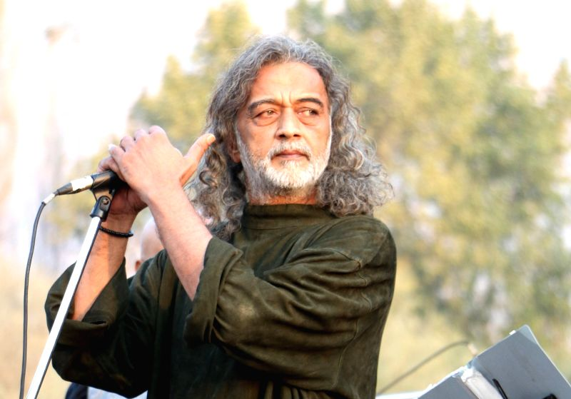 Singer Lucky Ali performs during Srinagar Youth Mela 2017 in Srinagar on Oct 21, 2017.(Image Source: IANS)