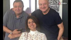 Anupam Kher and Neetu Kapoor make a Bangladeshi driver say Hindi dialogue with Rishi Kapoor enjoying it all