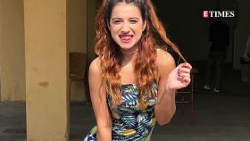 'Bigg Boss' famed Benafsha Soonawalla sets temperature soaring with her stunning pictures