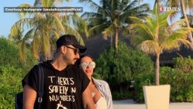 Malaika Arora shares sizzling pictures from Maldives; boyfriend Arjun Kapoor drops a sarcastic comment