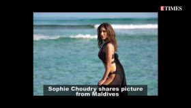 Throwback Thursday: Sophie Choudry sets hearts racing with this sizzling picture from Maldives