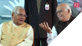 Vinay Sitapati on Jugalbandi: Advani, Vajpayee were bridge politicians as opposed to Narendra Modi and Amit Shah